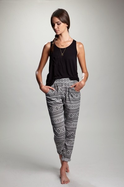 Ethnic trousers / ANTES 25,95 €